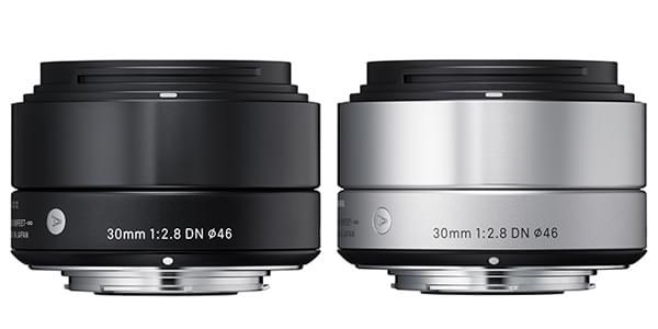 Le nouveau 30mm F2.8 DN dans ses finitions noir et argent